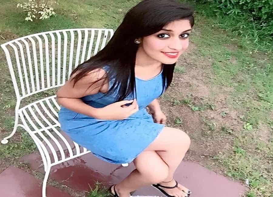 Akanksha Sharma 23 yrs